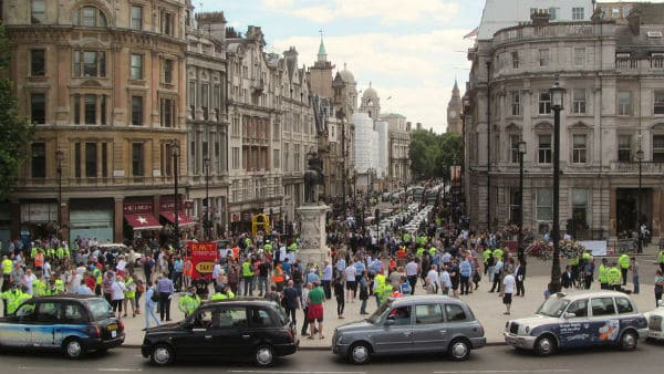 I 2014 demonstrerte Londons drosjesjåfører mot Uber. Foto: David Holt (CC BY 2.0)
